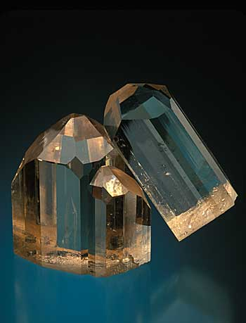Intergrown Brown Topaz Crystals from Mogok photo image