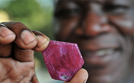 Mozambique Ruby photo image