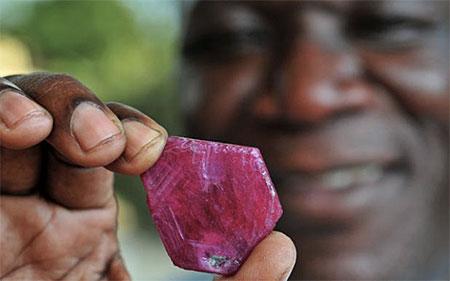 Mozambique Ruby photo image